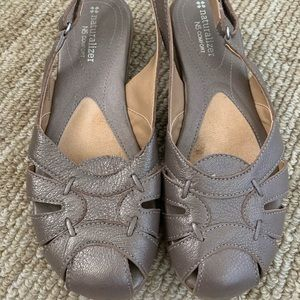 Naturalizer NS Comfort Shoes in Taupe